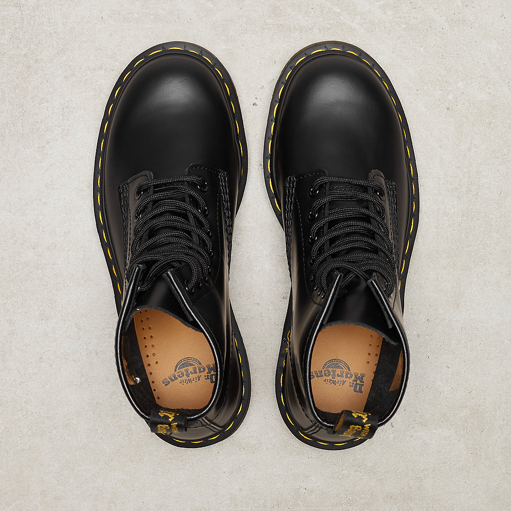Dr. Martens 1460 Smooth 59 Last 8 Eye Boot black