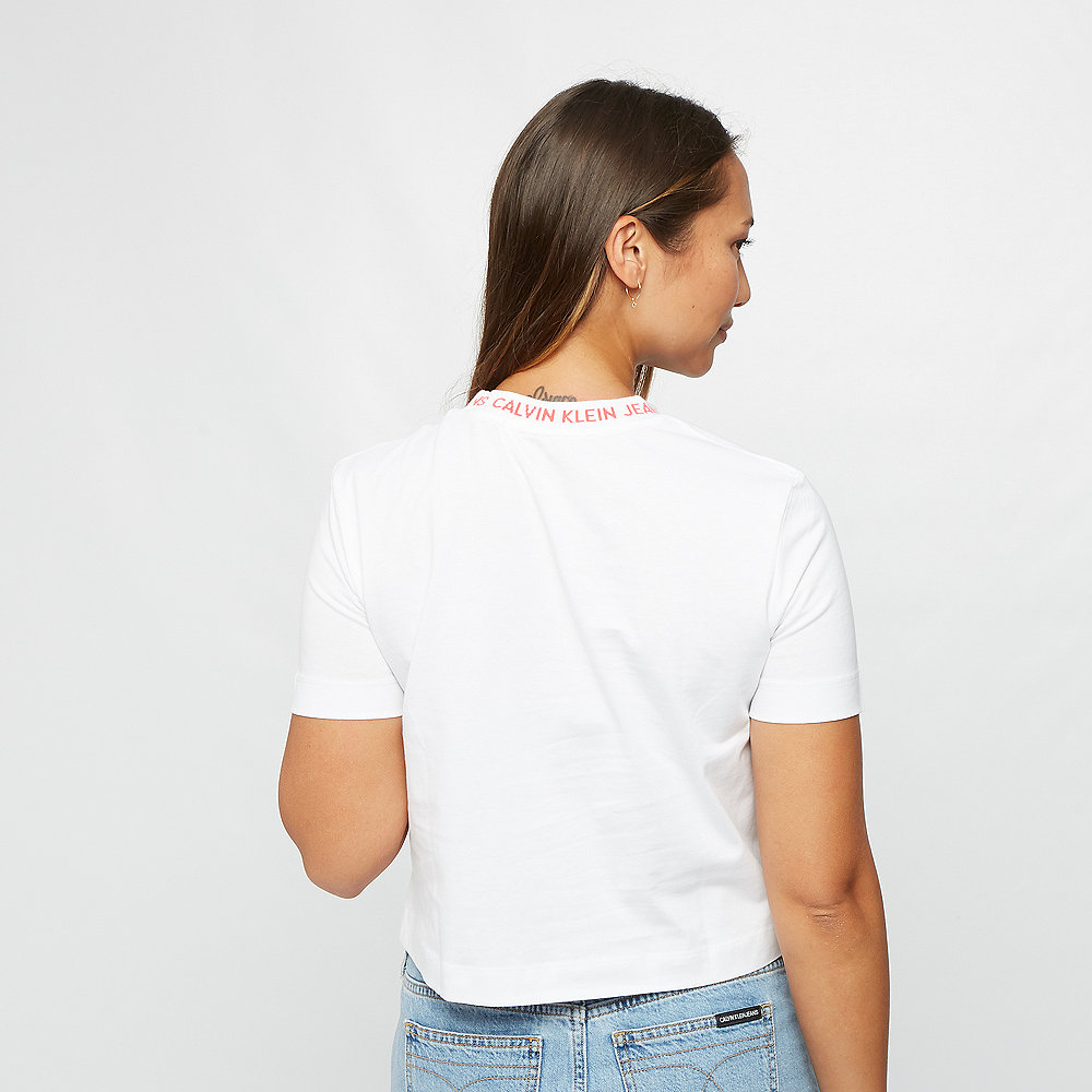 Calvin Klein Neck Logo Modern Straight Crop Tee bright white/hot coral