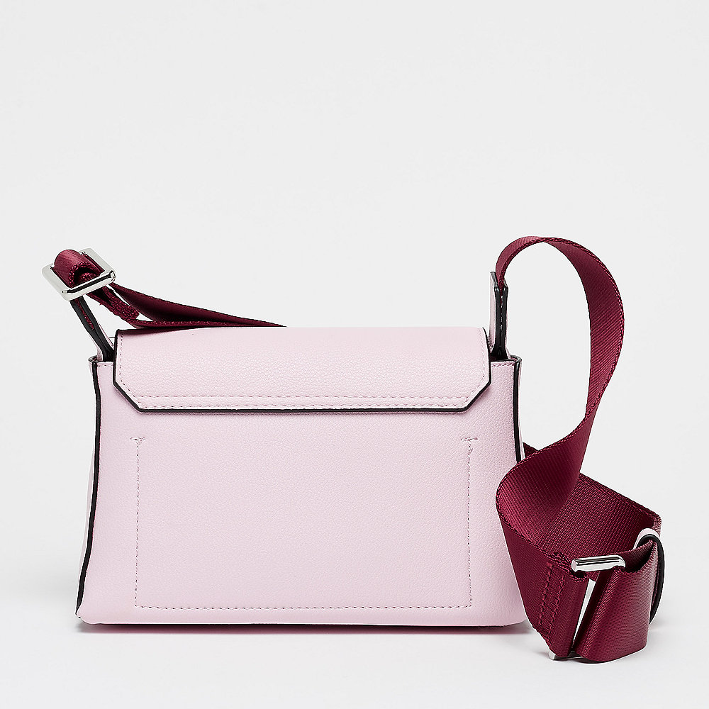 Calvin Klein Snap Flap Crossbody pastel pink