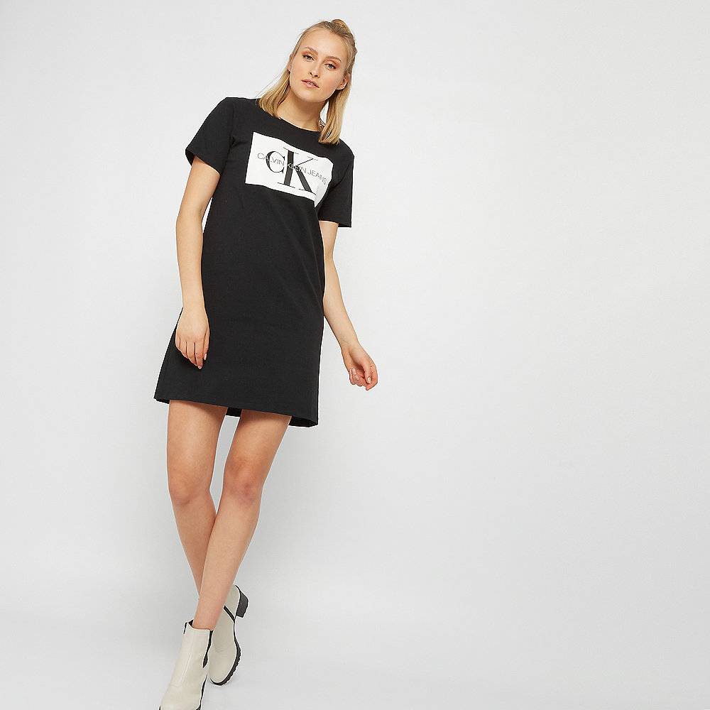 Calvin Klein T-Shirt-Kleid in Schwarz bei ONYGO