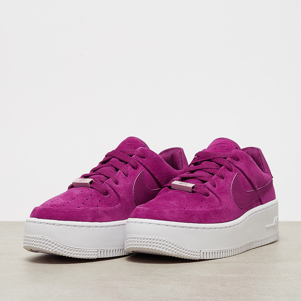 NIKE Air Force 1 Sage Low true berry/true berry-plum chalk