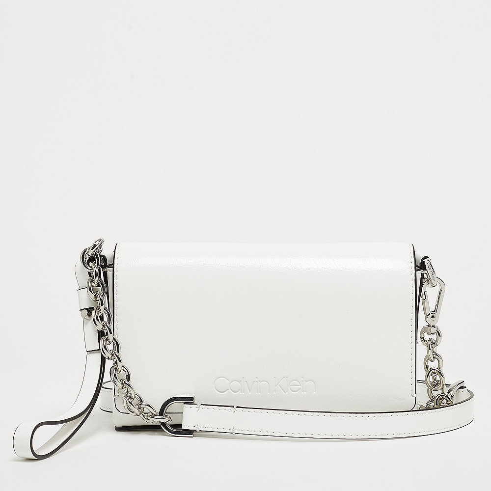 Calvin Klein Dressed Up Puch On Chain bright white