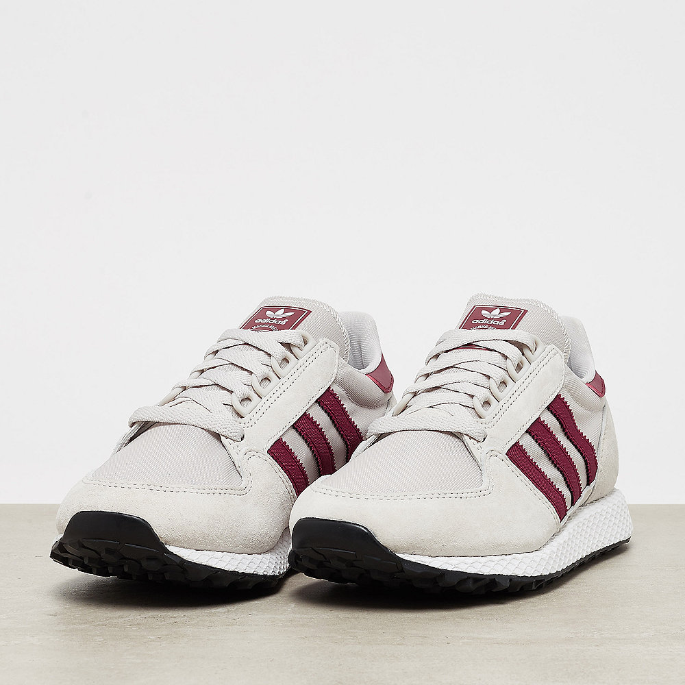 adidas Forest Grove chalk pearl/white/core black