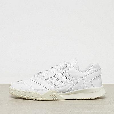 adidas A.R Trainer ftwr white/ftwr white/off white