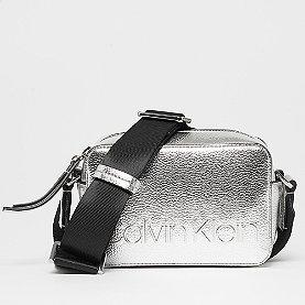 Calvin Klein Edged Camera silver
