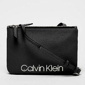 Calvin Klein CK Must Crossover black