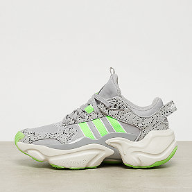 adidas Magumr Runner W grey two F17/solar green/raw white grey two F17/solar green/raw white