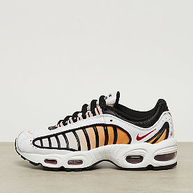 NIKE Air Max Tailwind IV white/gym red-black-coral stardust
