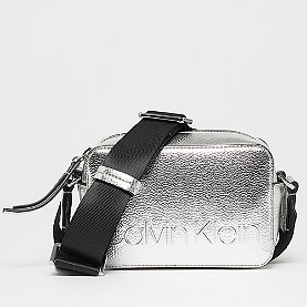 Calvin Klein Edged Camera silver