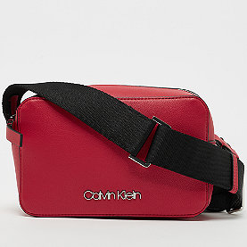 Calvin Klein Strap SML Camera bag lipstick red