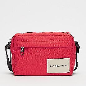 Calvin Klein Sport Essential Camery Crossbody scarlet