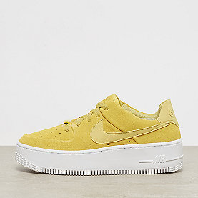 NIKE Air Force 1 Sage Low celery/celery-white