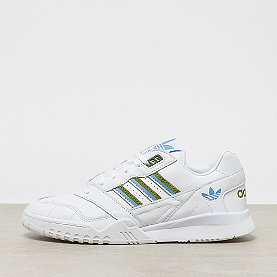adidas A.R. Trainer Wftwr white/tech olive/real blue